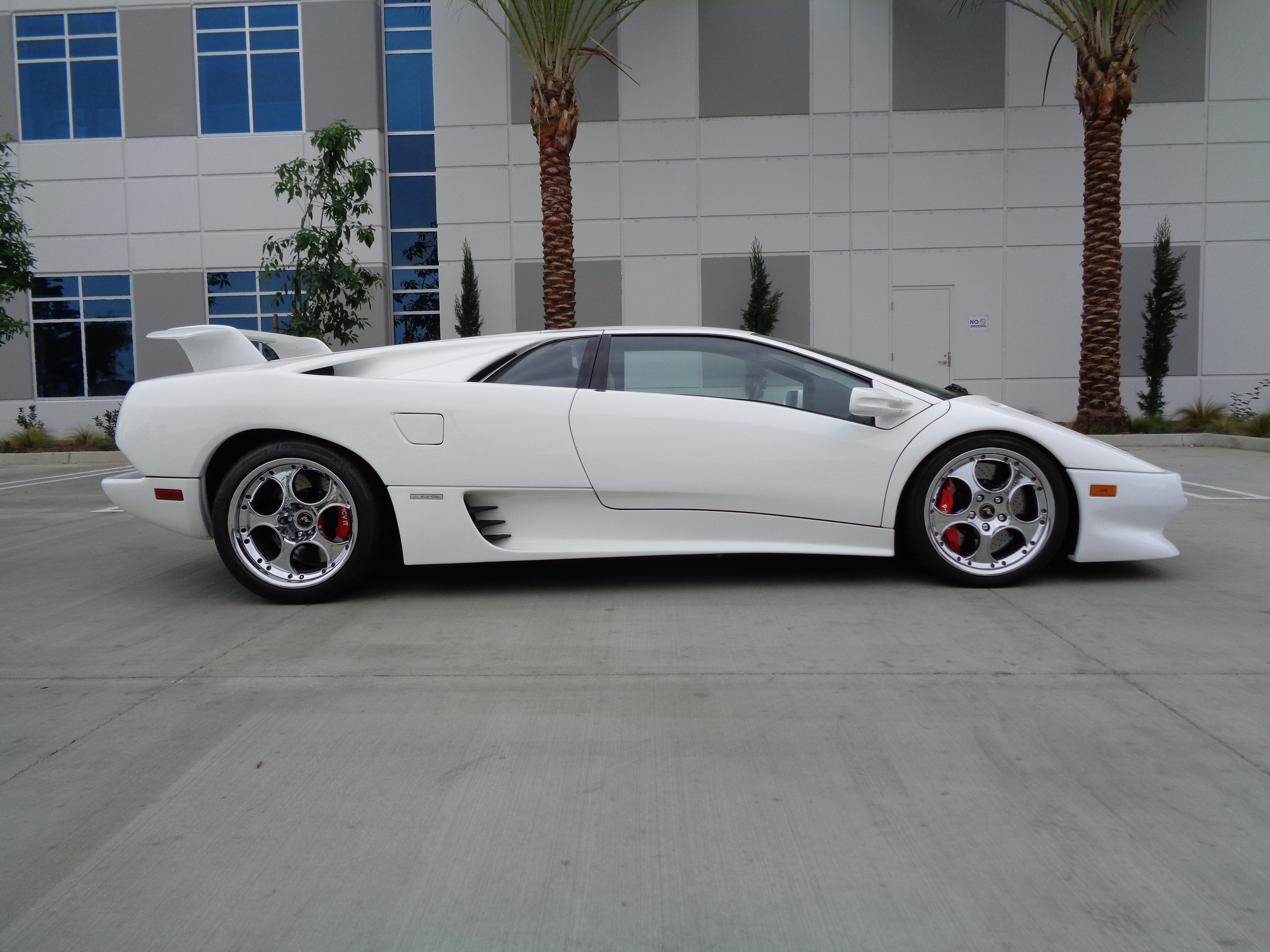 Sold 1992 Lamborghini Diablo White With Beige Only 10k Autotiq