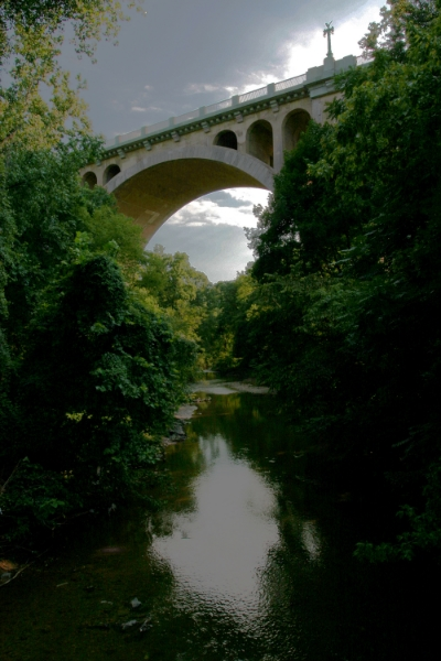 A view of Taft Bridge and Rock Creek, Washington, DC, August 2004.(Photograph by Michael Riddle.)