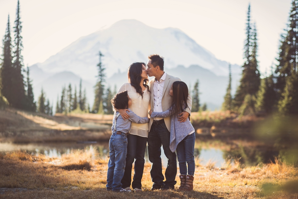 Mount_Rainier_Family_Photographer.jpg