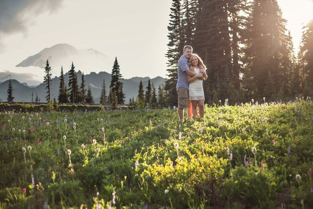 Mt_Rainier_Engagement_Photographer.jpg