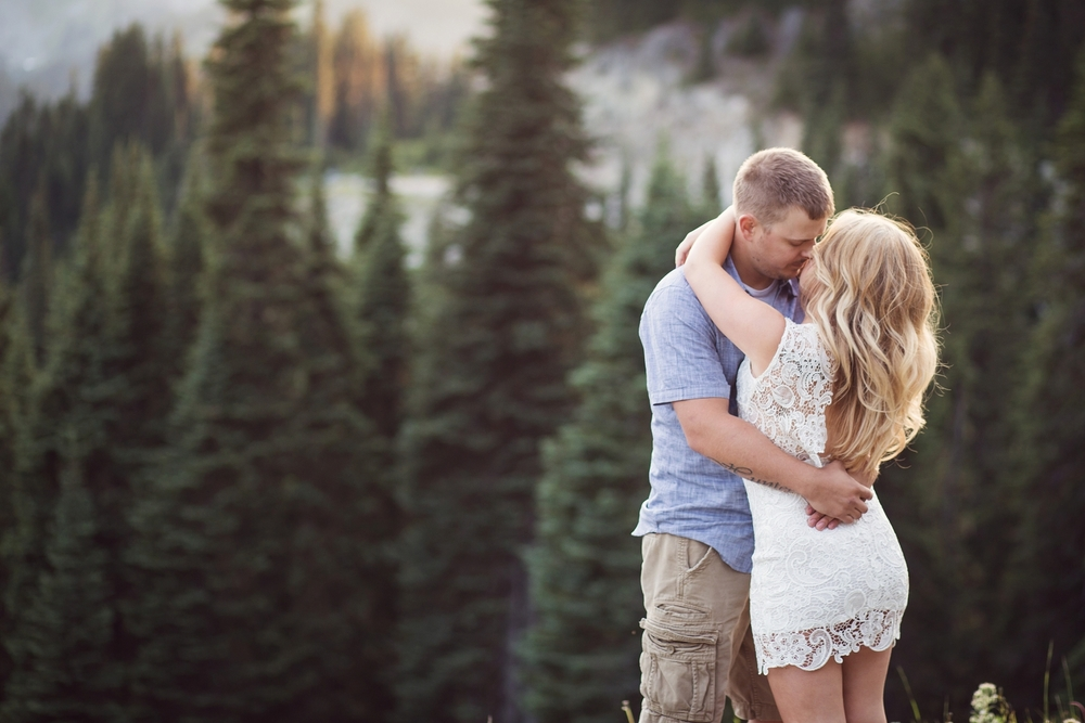 Mt_Rainier_engagement_photographer_6.jpg