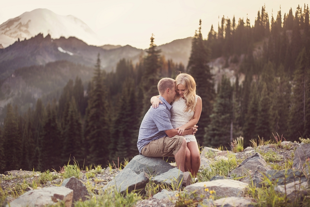 Mt_Rainier_engagement_photographer_vannessa_kralovic_photography.jpg
