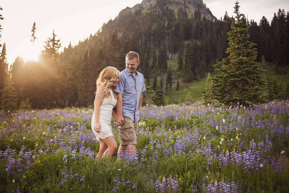 Mt_Rainier_Photographer_Engagement_Session.jpg