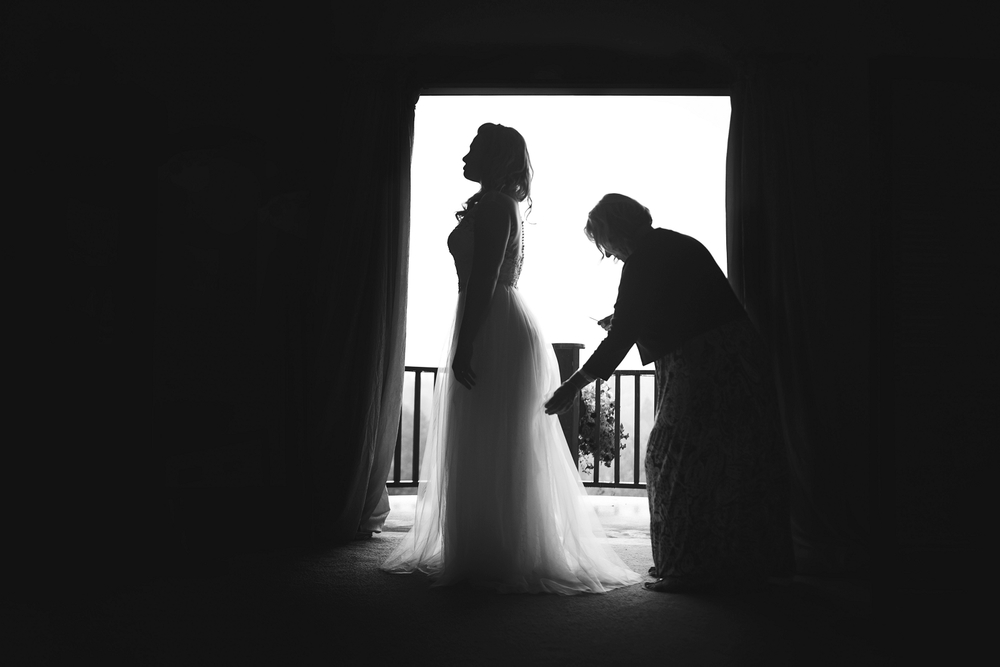 Bride-getting-ready-silhouette-vannessa-kralovic-wedding-photography.jpg