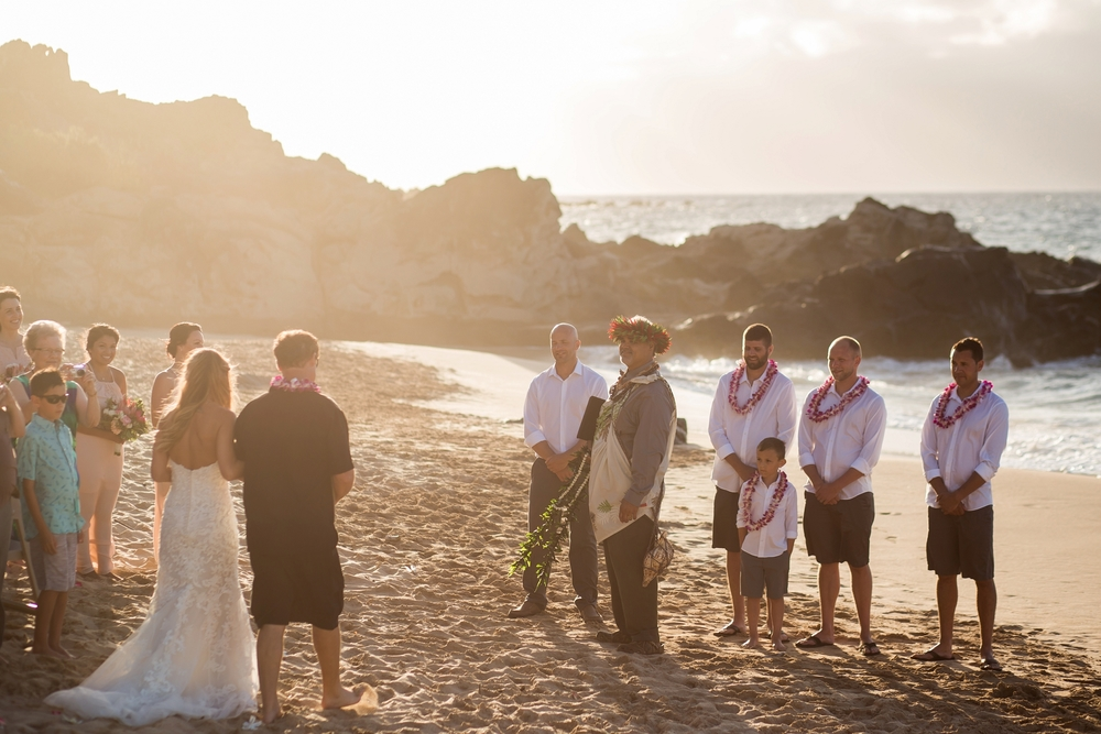 Bride_walking_down_sand_aisle_hawaii_maui_photographer.jpg