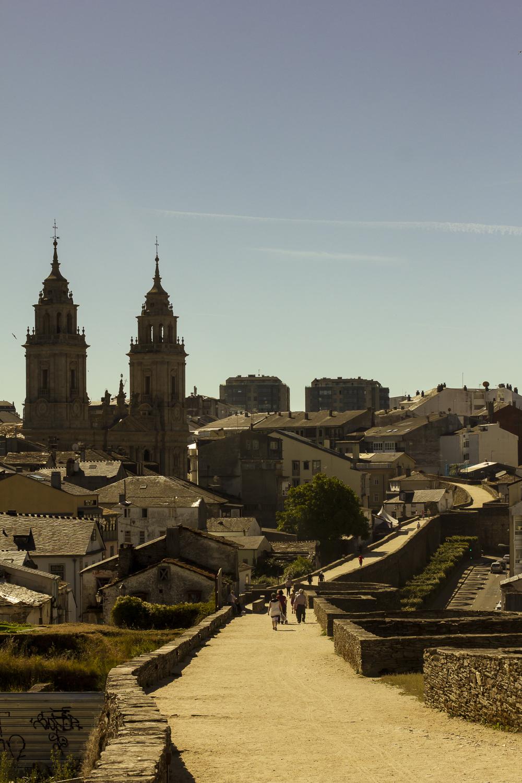 Catedral y Muralla de Lugo © 2014 Helena McMurdo
