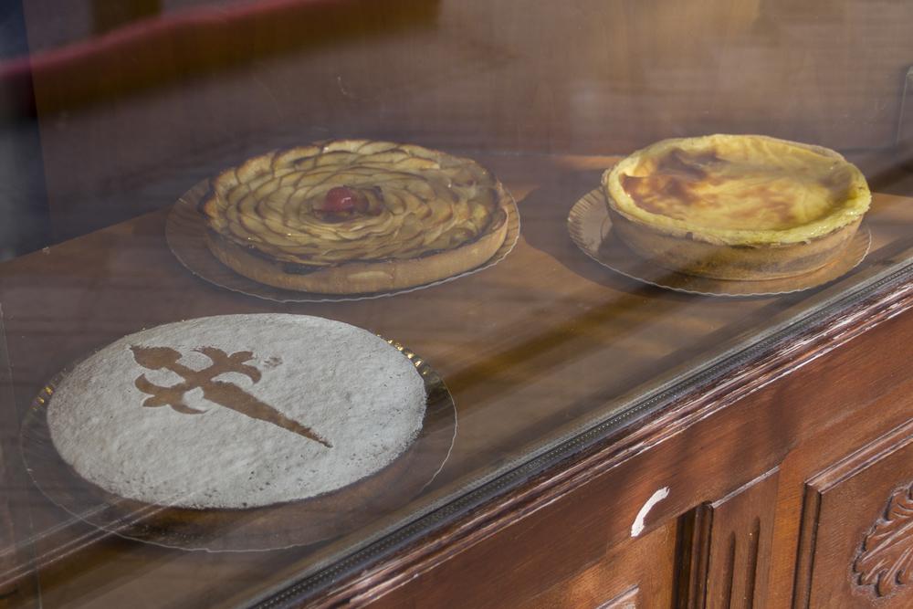 Tarta de Santiago in a La Coruña cake shop. © 2014 Helena McMurdo