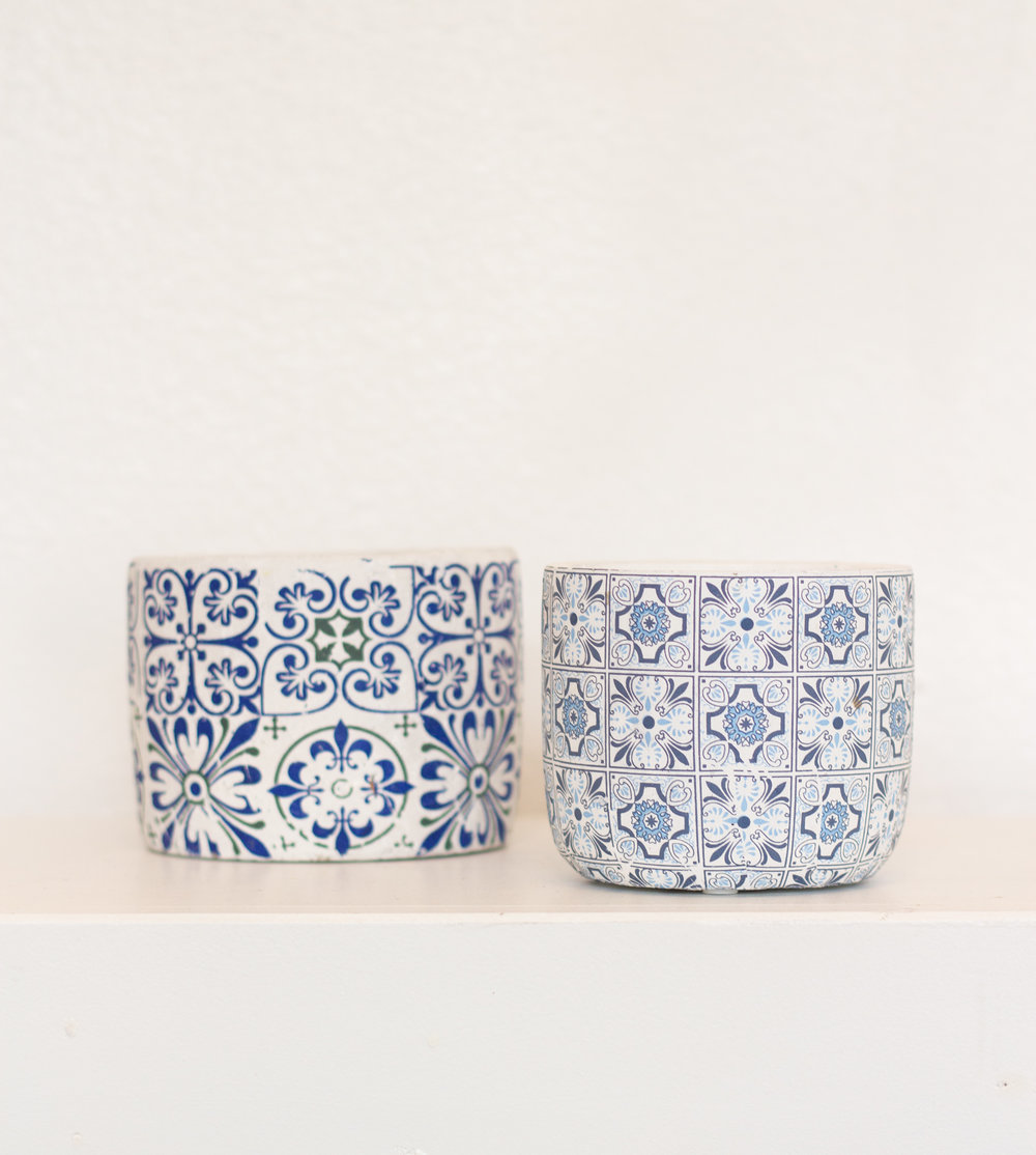 blue spanish pottery