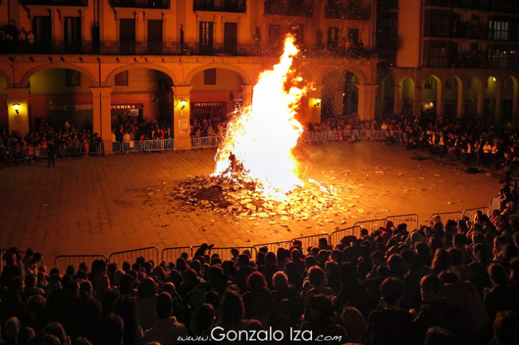 An hoguera being burnt on the last night of the festival.
