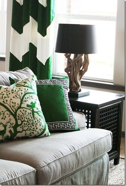 http://tiquestudio.wordpress.com/2013/01/10/emerald-city-pantone-introduces-2013-color-of-the-year/