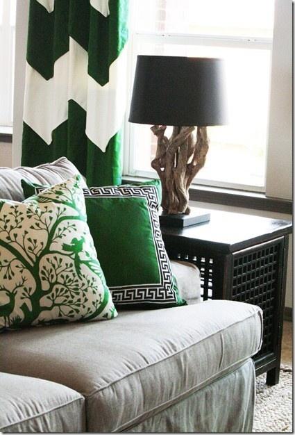 http://tiquestudio.wordpress.com/2013/01/10/emerald-city-pantone-introduces-2013-color-of-the-year/