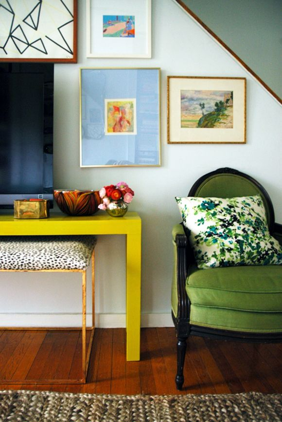 This lacquered parson table is perfect for the entry.    http://littlegreennotebook.blogspot.com/2013/01/how-to-strip-vintage-furniture.html