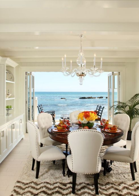 http://thesuitelifedesigns.wordpress.com/2013/06/06/bright-airy-spaces/