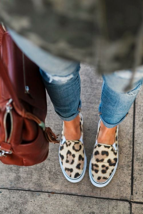 Leopard and shoes, perfection.  http://azita66.tumblr.com/post/86321386897/bloglovin   saranobledesigns.com