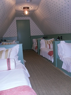 Kids Bunk Room…so sweet!