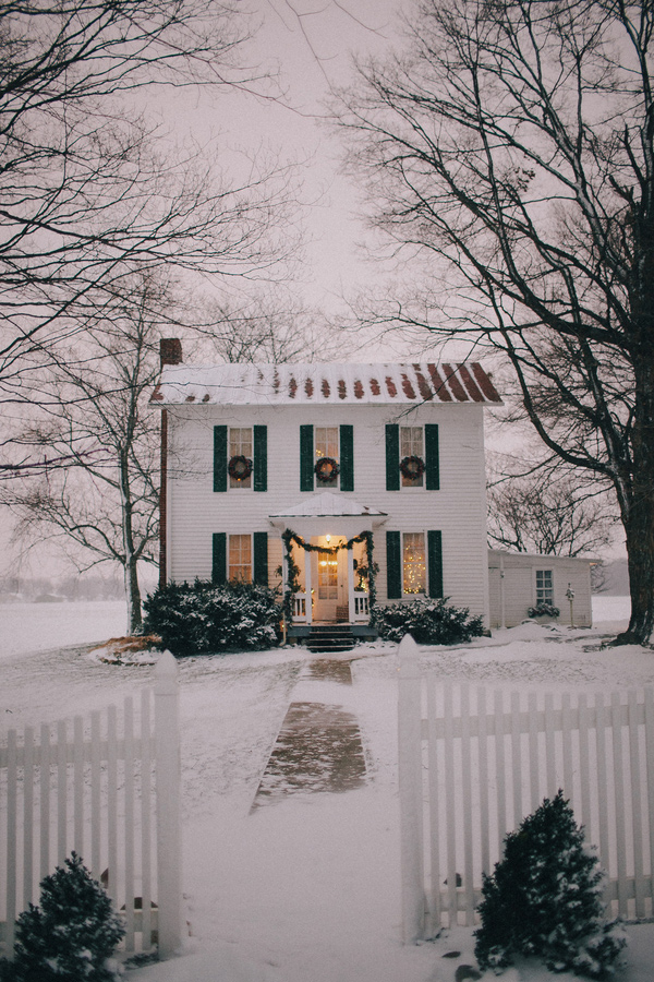 http://ruffledblog.com/midwestern-winter-wedding-ideas/