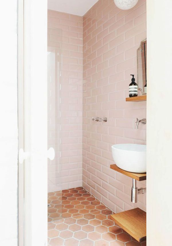 http://thedesignfiles.net/2014/08/interview-sarah-trotter/?crlt.pid=camp.yBVZneEUTHbM   Love this blush tile!