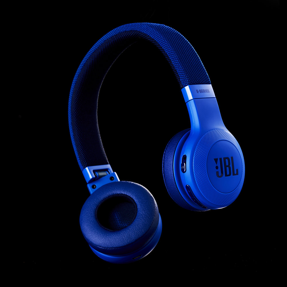 JBL Headphones0277 1.jpg