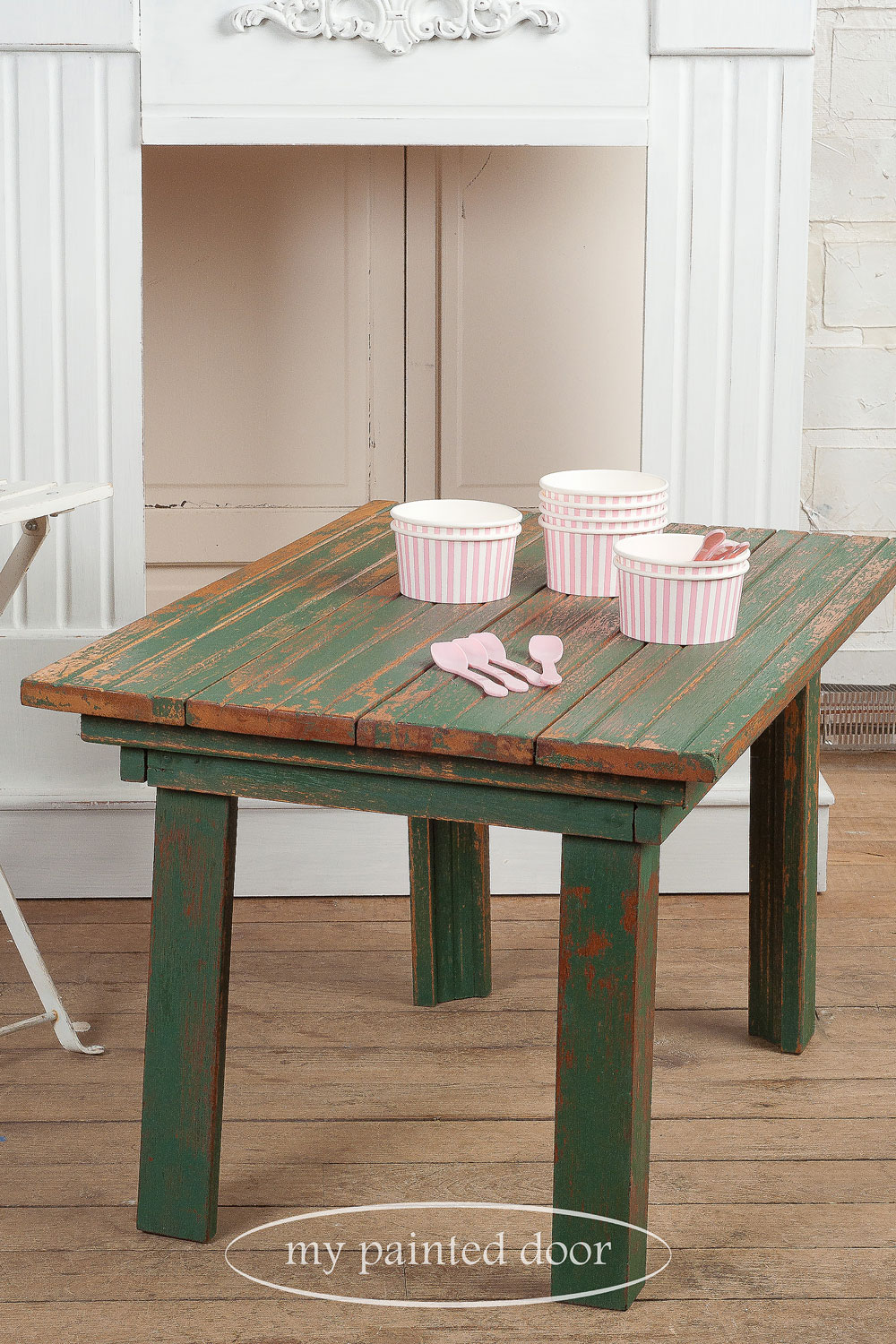 table painted with Homestead House milk paint in waterloo green - via My Painted Door (.com)
