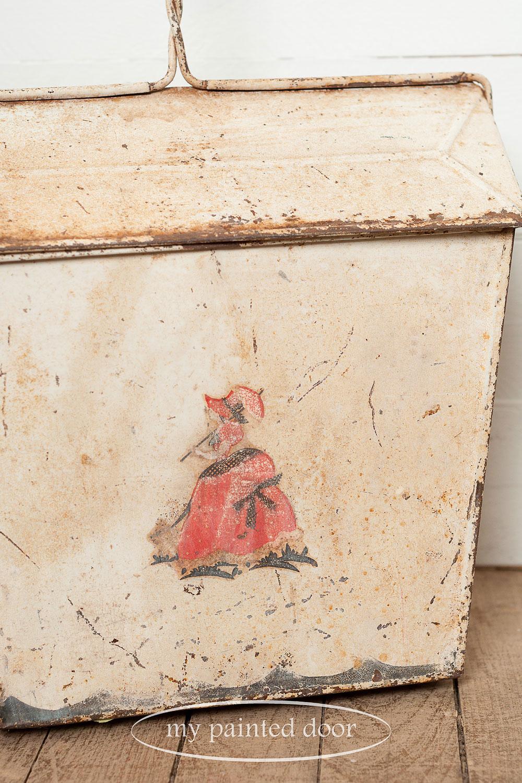 vintage dust pan