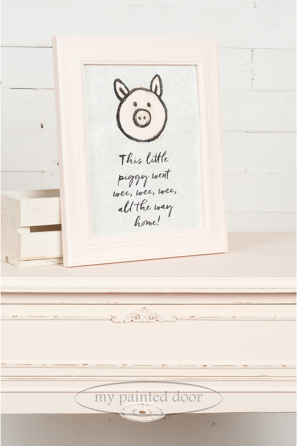 Picture frame and table painted in Little Piggy from the Jennylyn's Tones for Totes Collection of Fusion Mineral Paint.