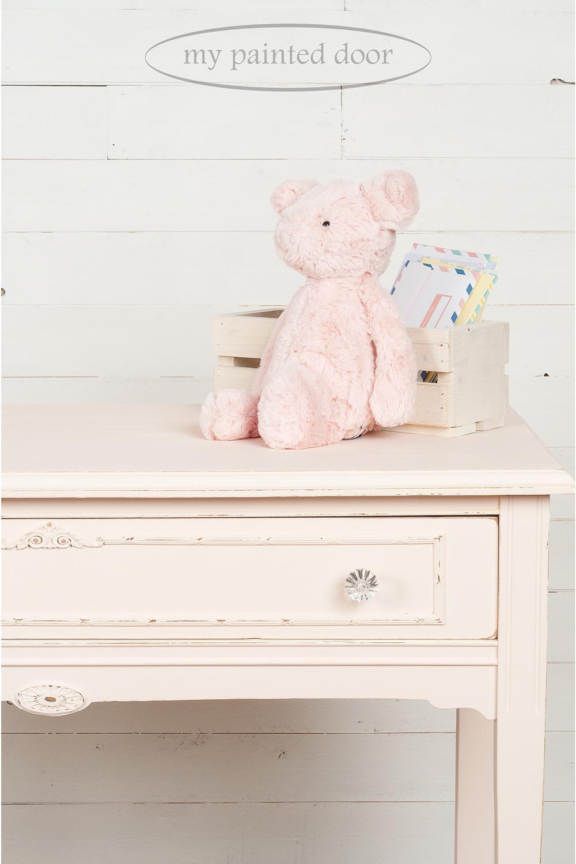 Jennylyn's Tones for Tots ▪ Little Piggy end table