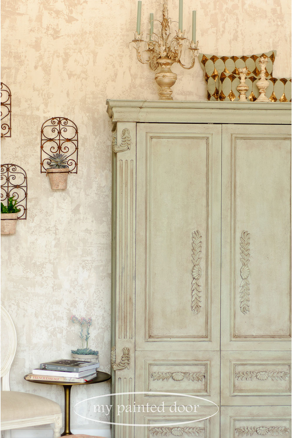 Introducing Jennylyn's European Styling Fresco. Hutch painted in Fusion Mineral Paint mixed with Fusion Fresco to create an old world look. Photography by My Painted Door.