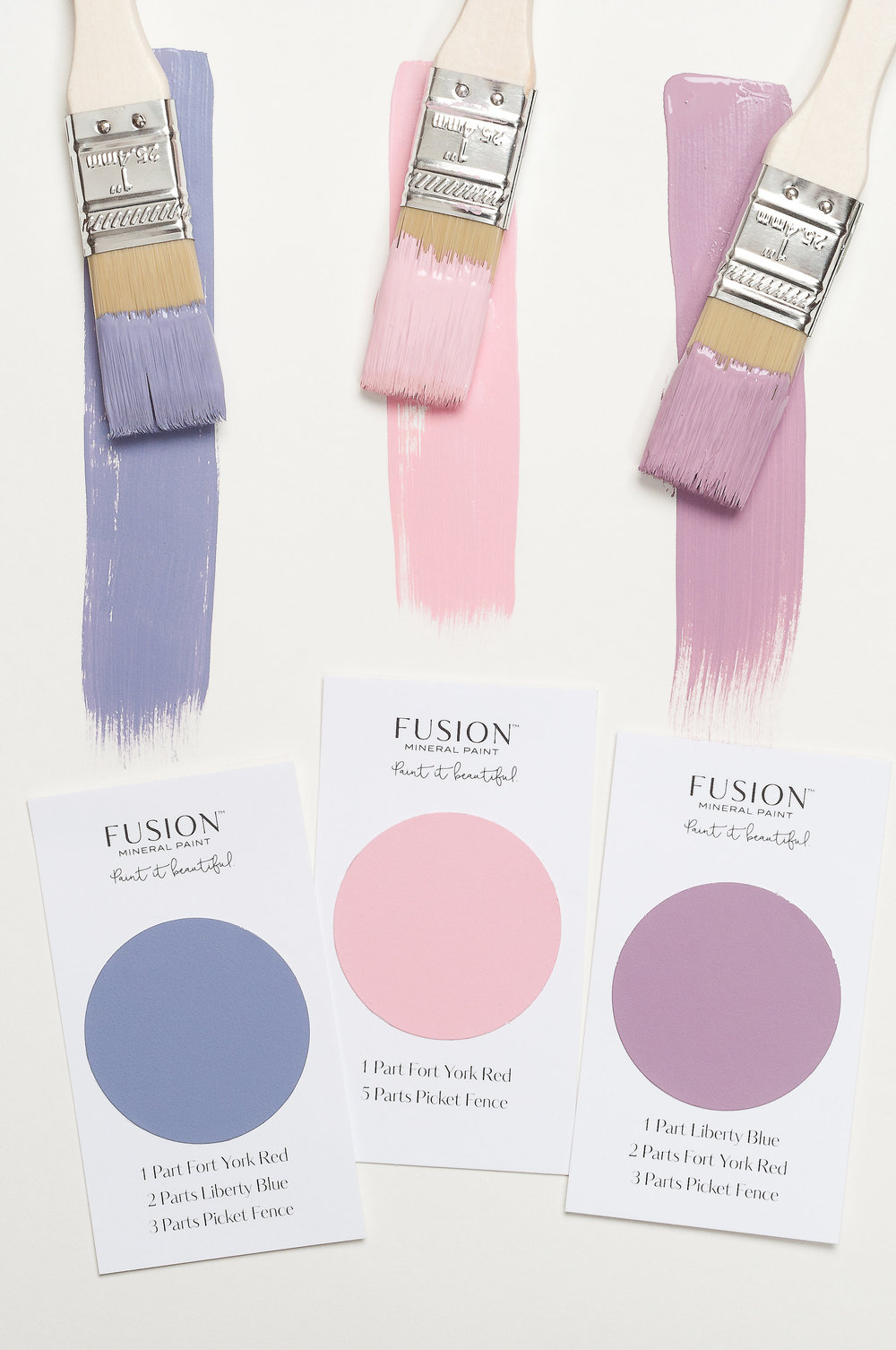 Fusion Mineral Paint has made mixing paint simple. They have created 32 recipe cards so that you can mix up all sorts of new colours!