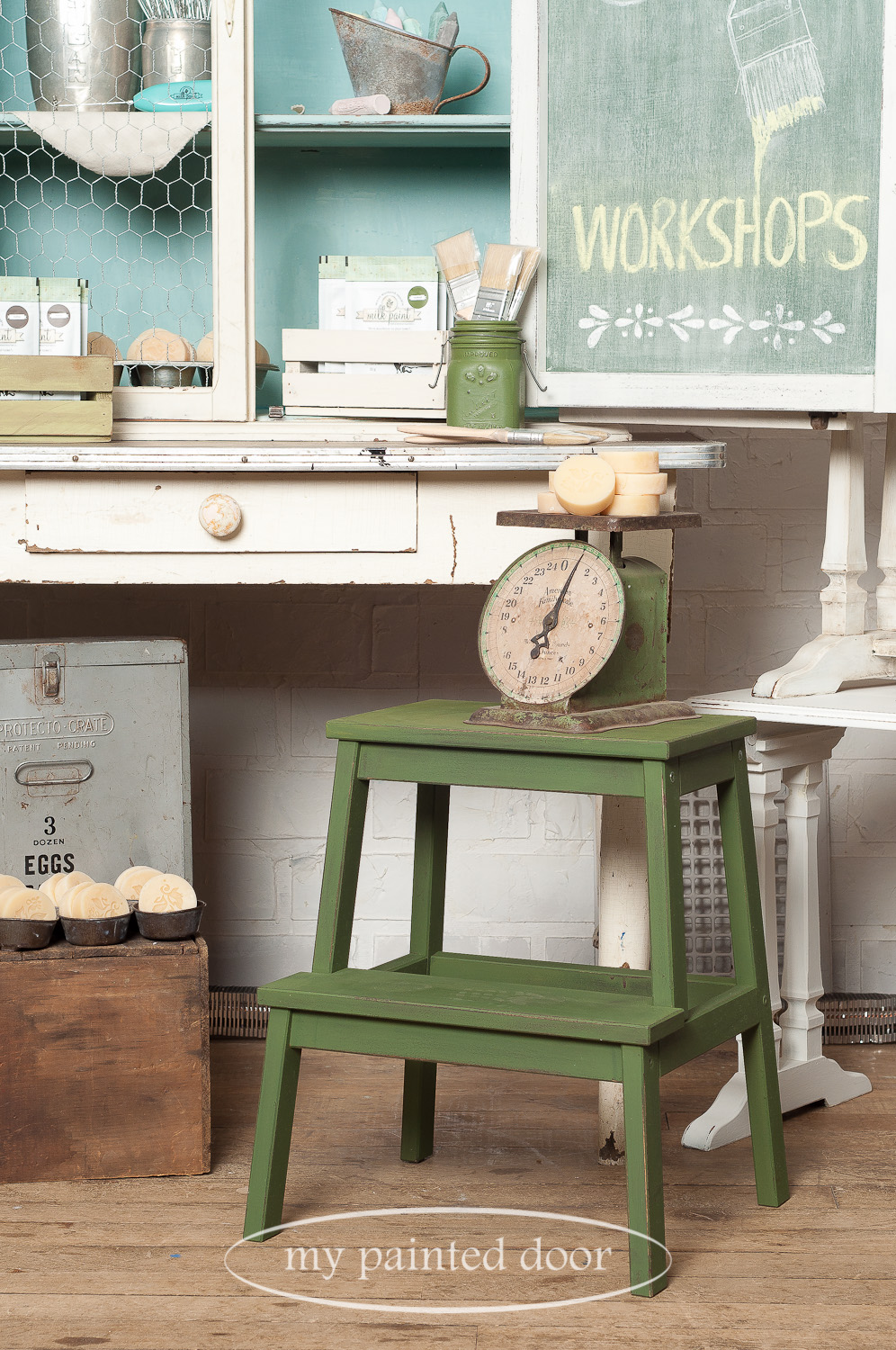 How to paint an Ikea stool to look like a farmhouse stool