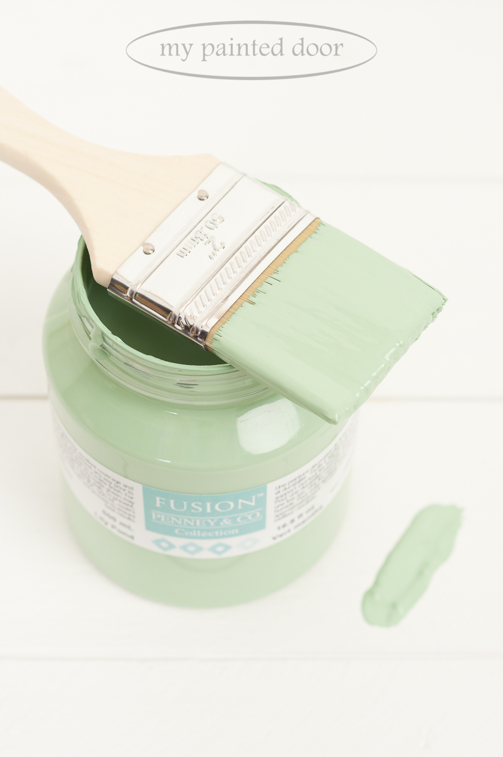 Fusion Mineral Paint in the colour Lily Pond