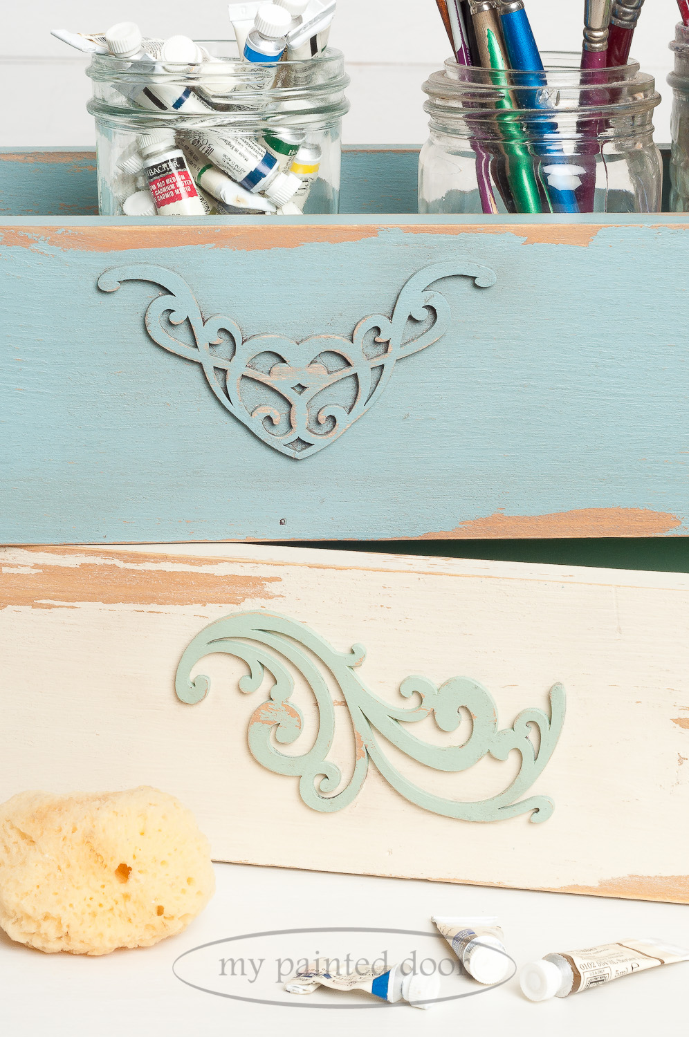 Wood boxes painted in Fusion Mineral Paint in the colours Heirloom, Plaster and Brook. Heavy distressing achieved by using Homestead House Salad Bowl Finish as a resist.