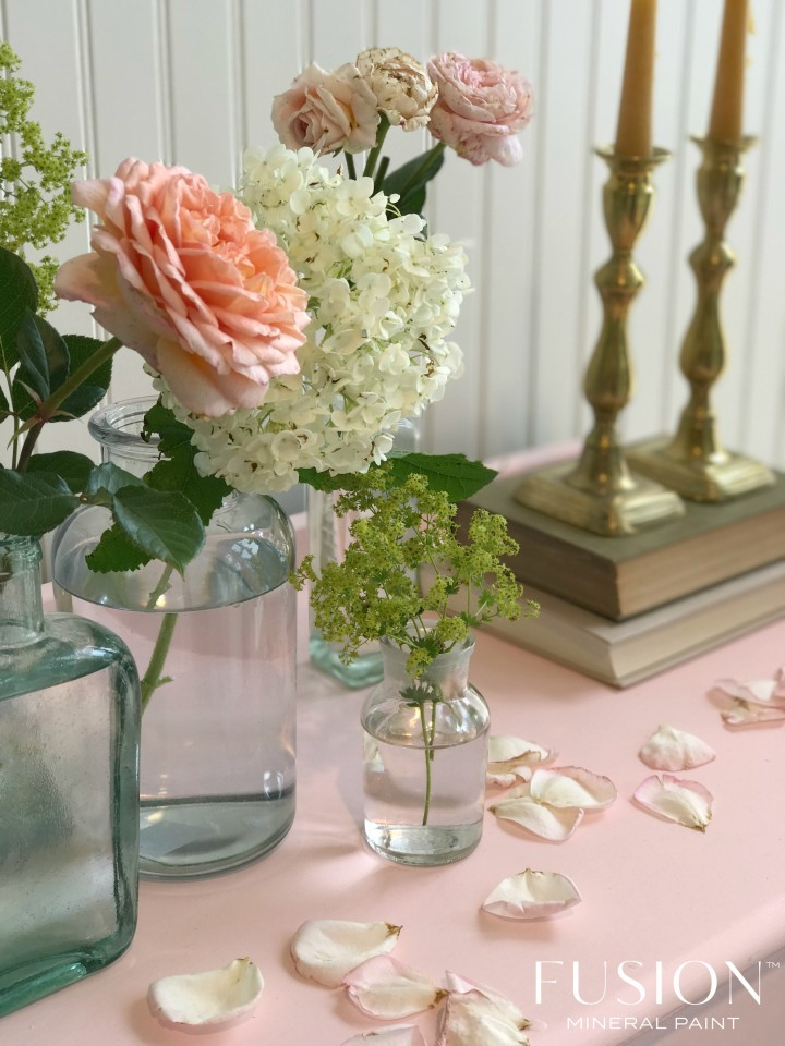 English Rose is the newest colour in the Penney and Co. Collection of Fusion Mineral Paint. Release date: September 2017!