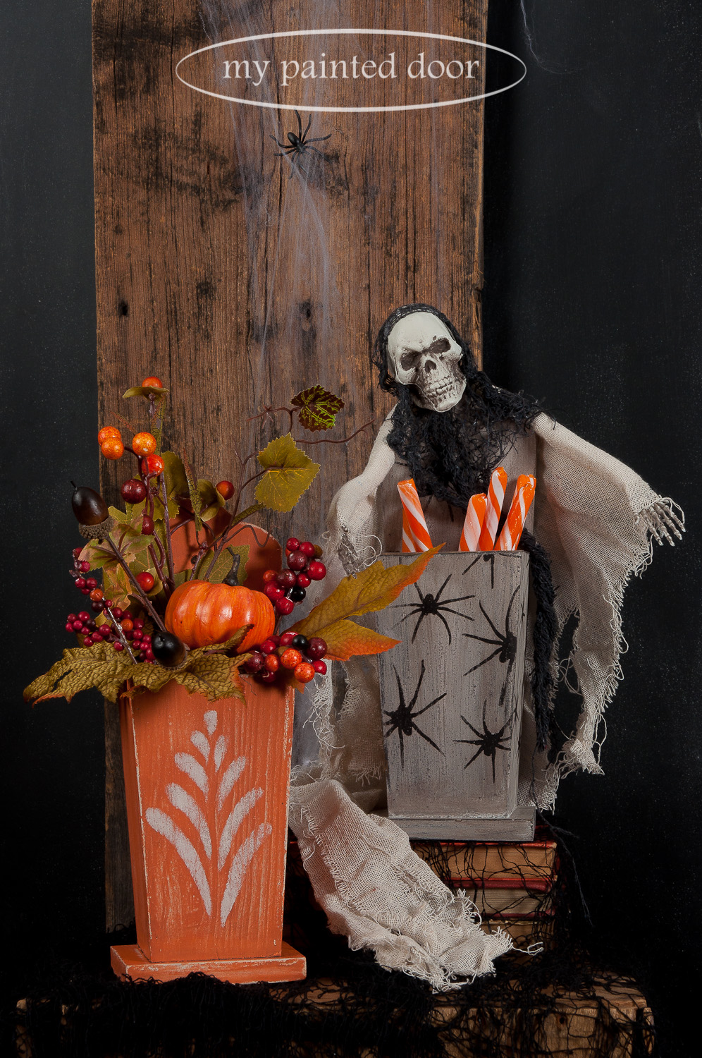 Join us for a Halloween Workshop! If you live too far away to come and play with milk paint, Miss Mustard Seed's Milk Paint can also be purchased online at My Painted Door. These projects include the colours Outback Petticoat, Typewriter and Farmhouse White.