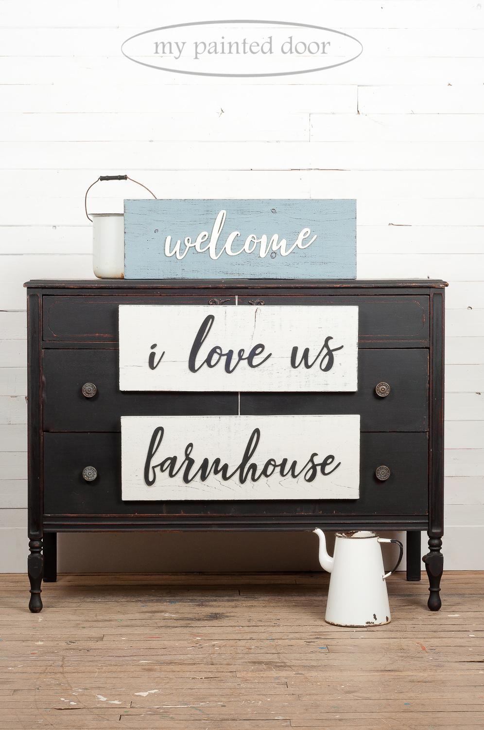 Dresser painted in Miss Mustard Seed's Milk Paint in the colour Typewriter. Signs painted in Bergere and Farmhouse White.