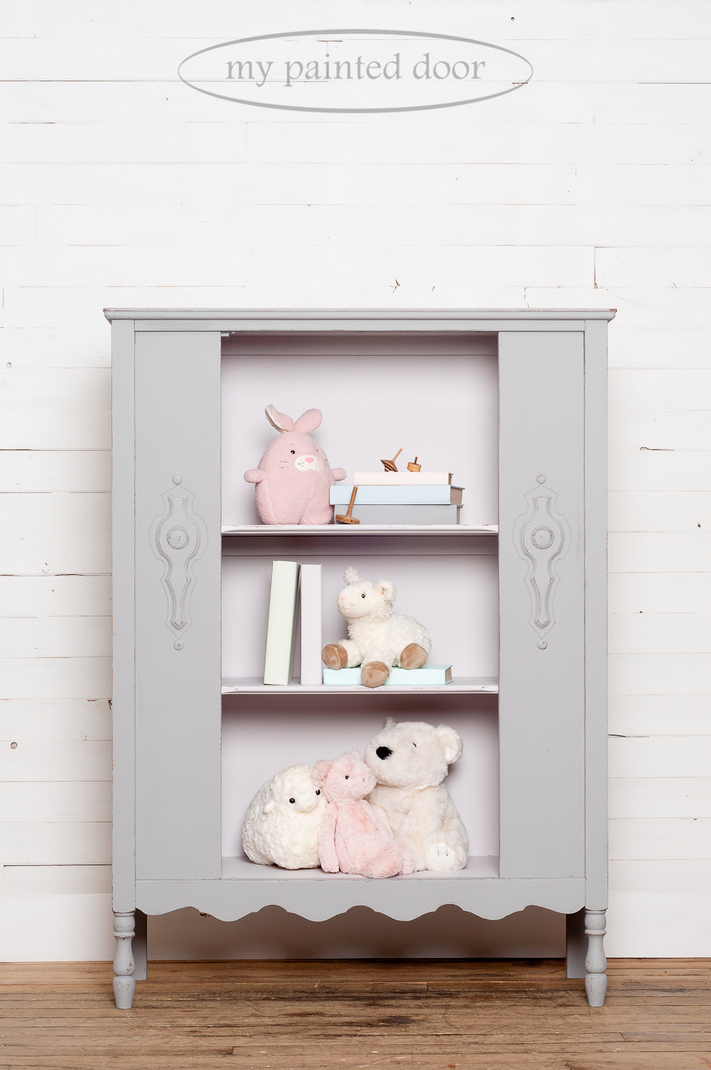 Fusion Mineral Paint Tones for Tots Photo Gallery includes the colours Little Lamb and Little Stork.