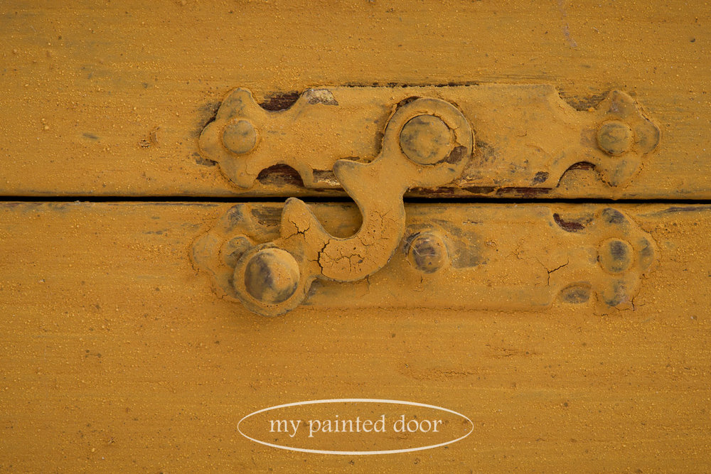 Homestead House Milk Paint creates tons of texture on this painted box.