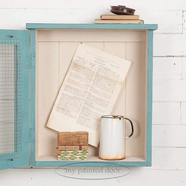 Want to add charm to just about anything? Planked boards will do that! We used pine planks inside our little curiosity cabinet for the perfect vintage look. The planks are painted in Homestead House Milk Paint in the colour Champlain which is the perfect vintage white!  #homesteadhousemilkpaint #milkpaint #cabinet #farmhousestyle #vintage