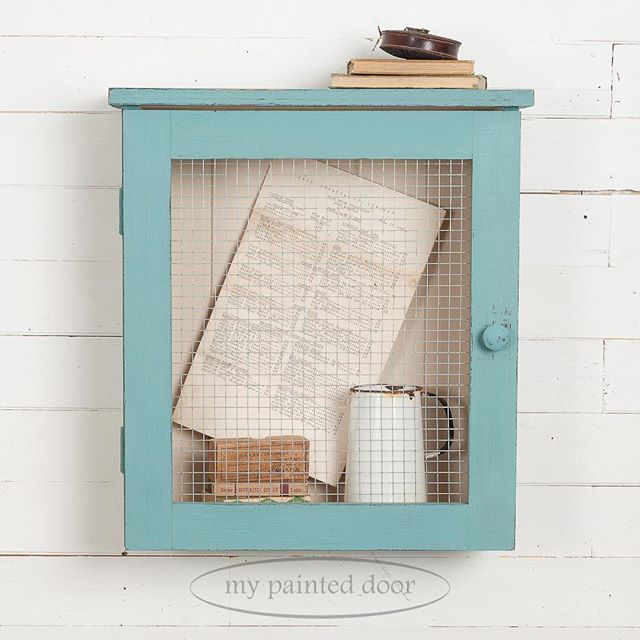 I love our little curiosity cabinet! I had a local carpenter build 19 of these beauties for our upcoming milk paint workshops. It's so cute that I just about can't stand it! We painted the inside planked wall with Homestead House Milk paint in the colour Champlain and the outside was given one coat of MMSMP in the colour Curio and then one coat of HHMP in Niagara Green. We finished it off with MMSMP Hemp Oil.  #mmsmp #homesteadhousemilkpaint #milkpaint #farmhouse #farmhousestyle #hempoil