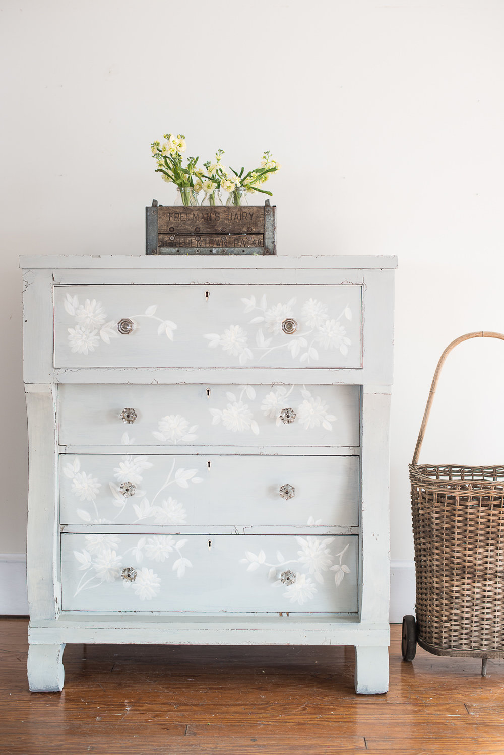 Dresser Painted in Miss Mustard Seed's Milk Paint in the Colour Mora