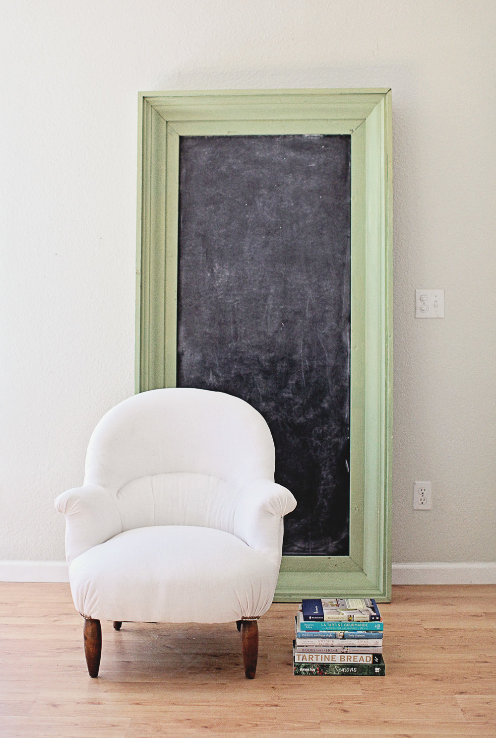 Chalkboard Frame Painted in Miss Mustard Seed's Milk Paint in the Colour Luckett's Green