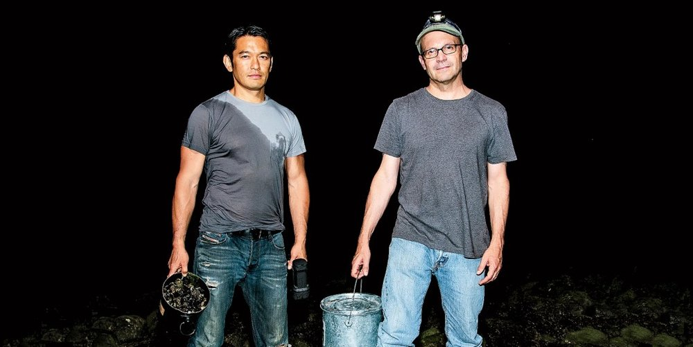 Bun Lai of Miya's Sushi and Joe Roman forage for invasive species on Long Island Sound (A. Hetherington)