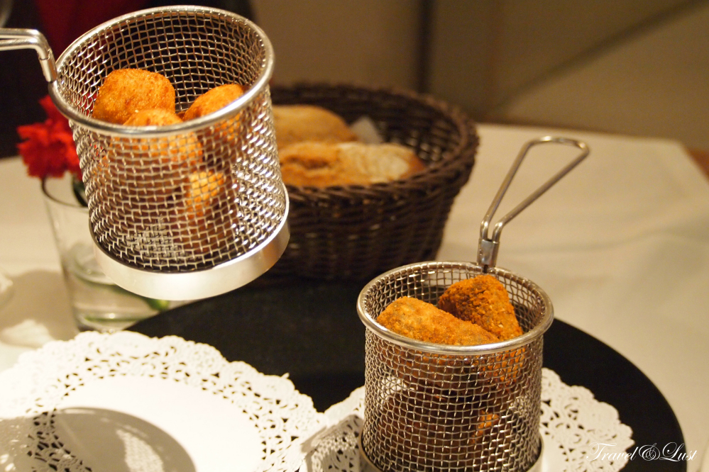 Croquettes were served in this fancy fashion.