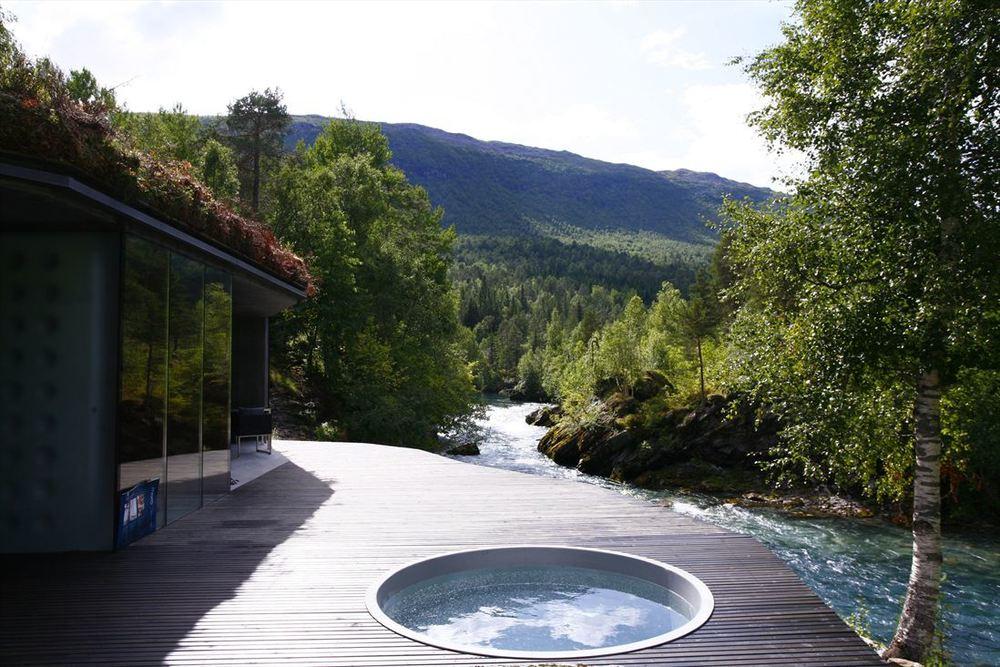 Juvet-Landscape-Hotel-By-JSA-Jensen-Skodvin-Arkitektkontor-32.jpg