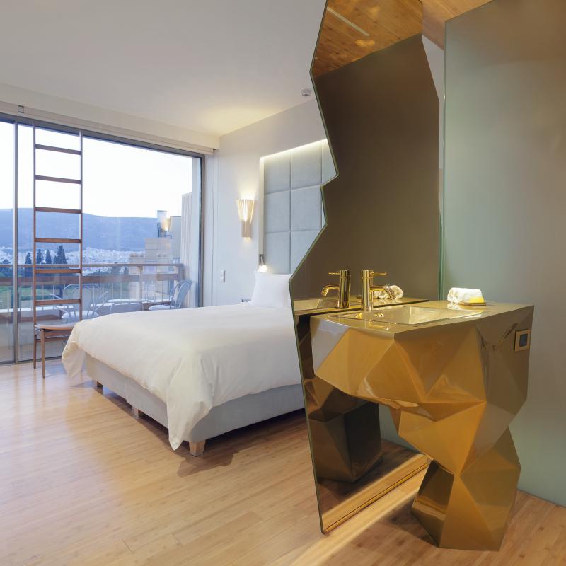 room 605 quattro_Fotor.jpg