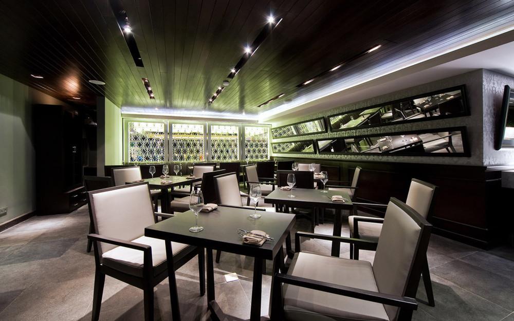 lola-restaurant-1-1024x640.jpg