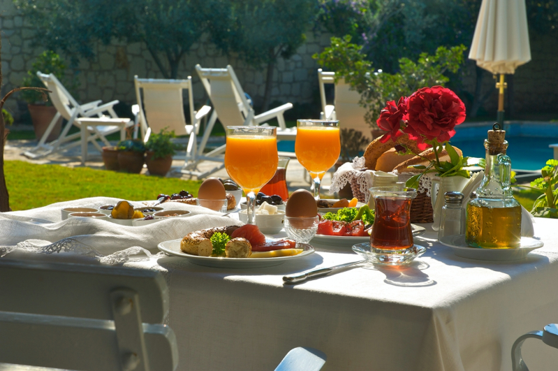 Tas Otel Breakfast_Fotor.jpg