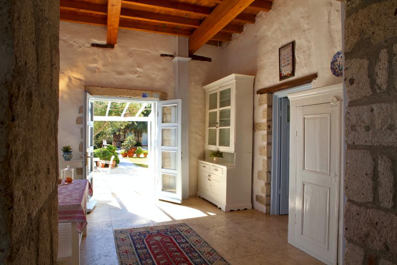 Tas Otel Interior_Fotor.jpg