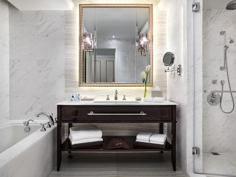 4_ Pottinger Suite Bathroom (980 x 735).jpg