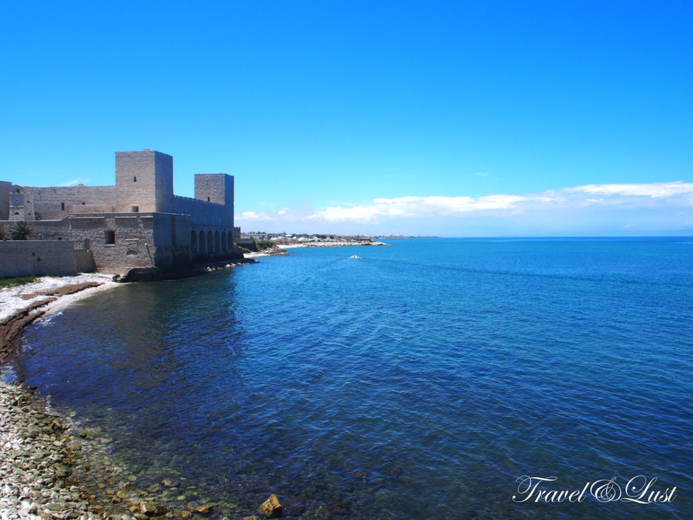Time seems to have stopped at the beautiful sea side town of Trani. It has a picturesque fishing harbour and boasts an ancient history characterised by its architecture, art and history.