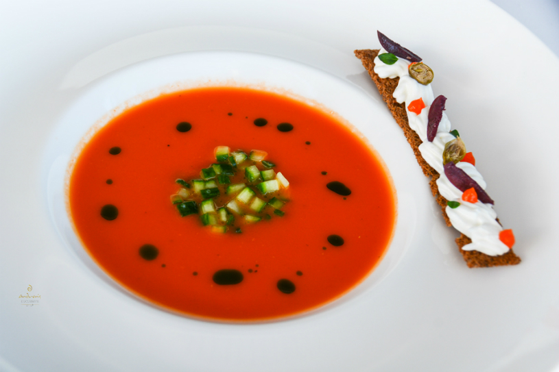 This chilled soup is the ingenious creation of Greek chef Dimitris Stamoudis that has been inspired by the classic Greek salad.